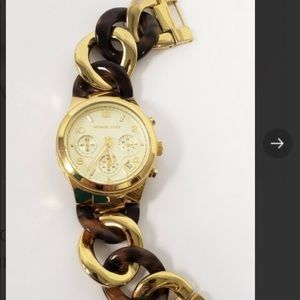 Michael Kors Runway Twist Watch awesome condition
